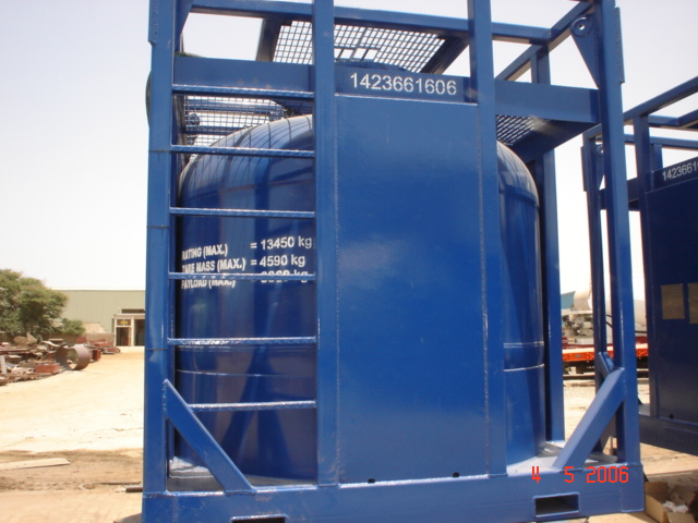Acid Transporting Tank with Crash Frame